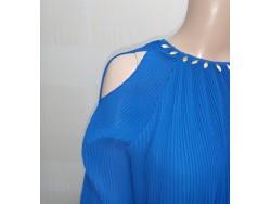 Blouse voile bleu plissé agrémentée de petites feuilles en métal doré T:M