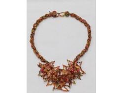 Tour de cou artisanal en perles et pierres