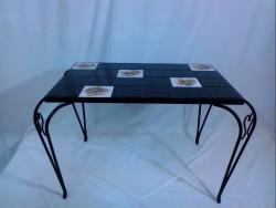 Table fer et carrelage